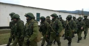 """""""Zielone ludziki"""" na Krymie. Foto autora"""